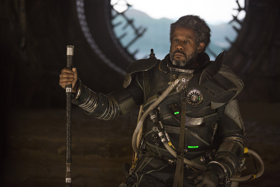 Saw Gerrera (Forest Whitaker).