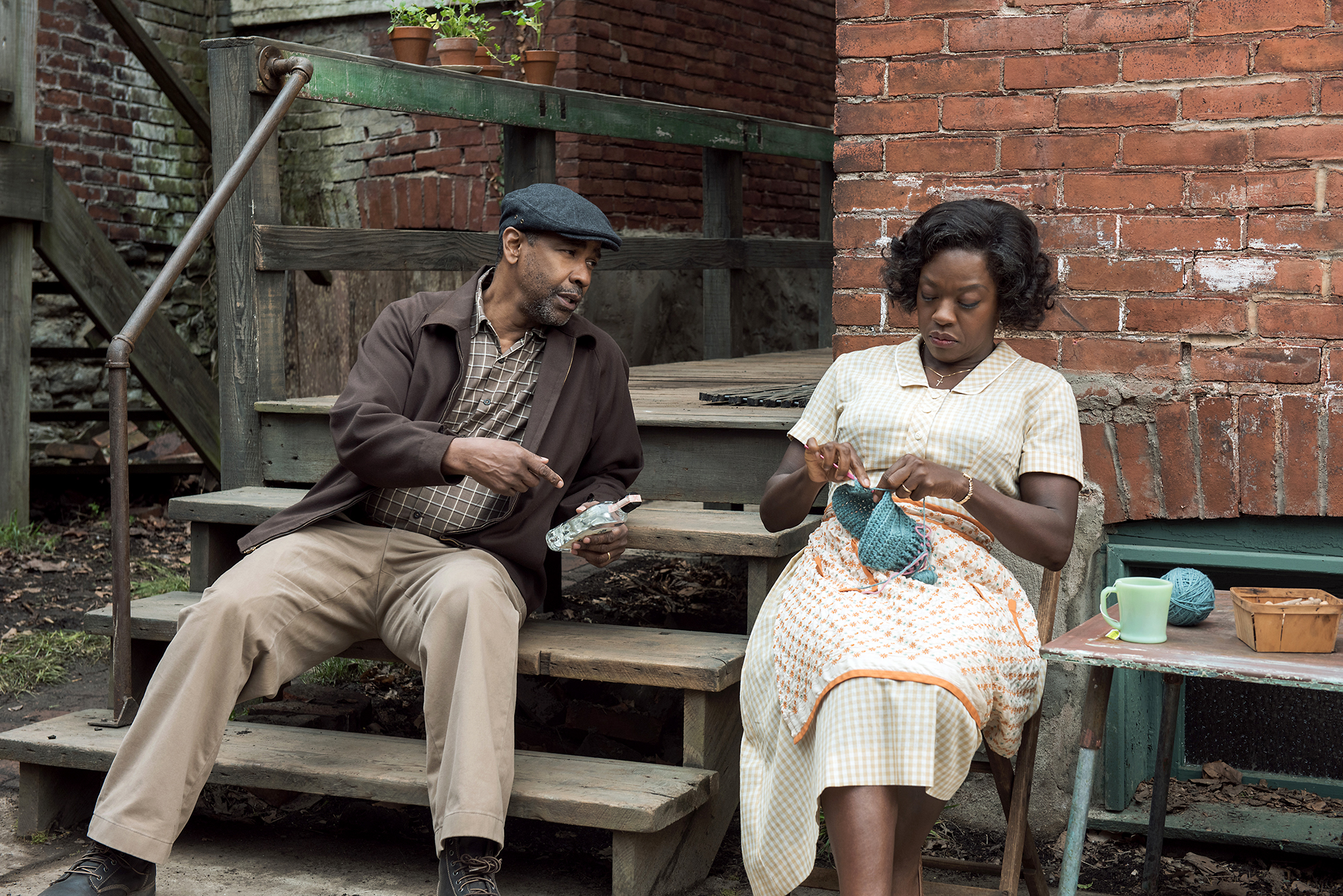 Troy Maxson (Denzel Washington) & Rose Maxson (viola Davis)
